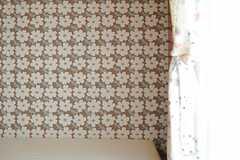 壁紙は花模様。(304号室)(2013-10-23,専有部,ROOM,4F)