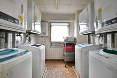 洗濯機と乾燥機の様子。(2021-09-28,共用部,LAUNDRY,3F)