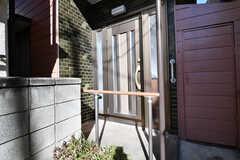 玄関の様子。(2017-12-25,周辺環境,ENTRANCE,1F)