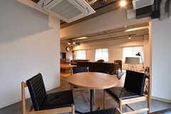 他のソファよりも囲まれた空間です。(2016-12-22,共用部,LIVINGROOM,1F)