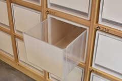 部屋ごとに食材を収納しておける引き出し。(2016-12-22,共用部,KITCHEN,1F)