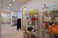 女性専用シャワールームの対面は収納棚です。(2019-02-19,共用部,OTHER,1F)