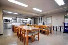 シェアハウスのラウンジの様子。(2010-04-14,共用部,LIVINGROOM,1F)