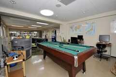 ラウンジにはビリヤード台があります。(2010-04-14,共用部,LIVINGROOM,1F)