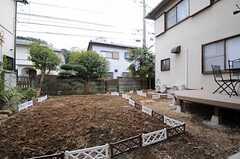 庭には菜園があります。何を植えるかは今後相談していくとのこと。(2012-02-01,共用部,OTHER,1F)