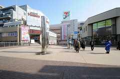 各線・松戸駅からシェアハウスへ向かう道の様子。(2012-02-01,共用部,ENVIRONMENT,1F)
