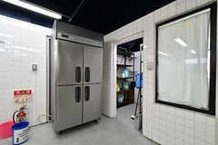 冷蔵庫は業務用です。(2018-06-18,共用部,KITCHEN,1F)