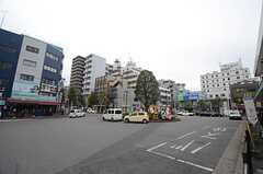 JR常磐線(上野〜取手)・北松戸駅前の様子。(2015-12-02,共用部,ENVIRONMENT,1F)