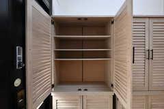 靴箱の様子。ひとり扉1枚分使えます。(2020-06-23,周辺環境,ENTRANCE,1F)