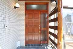 シェアハウスの正面玄関。(2012-08-28,周辺環境,ENTRANCE,1F)