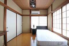 専有部の様子。床はフローリングです。(202号室)(2012-08-28,専有部,ROOM,2F)