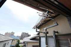 物干し用の器具が設置されています。(203号室)(2012-08-28,専有部,ROOM,2F)