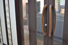 ラウンジの扉の持ち手。(2013-11-28,共用部,OTHER,1F)
