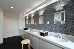 男性用洗面台の様子。(2018-03-20,共用部,WASHSTAND,3F)