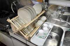 食器類の様子。(2010-07-01,共用部,KITCHEN,1F)