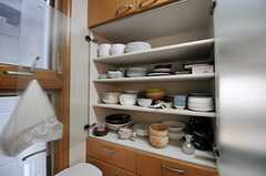 食器棚の様子。(2013-07-30,共用部,KITCHEN,1F)