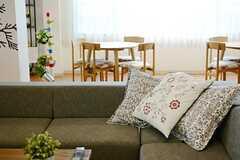ソファの奥にカフェスペースがあります。。(2014-12-10,共用部,LIVINGROOM,1F)
