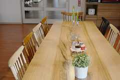 ダイニングテーブルには10人ほど着席できます。(2014-12-10,共用部,LIVINGROOM,1F)