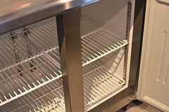 業務用冷蔵庫の様子。(2017-04-10,共用部,KITCHEN,1F)