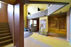 玄関脇が自転車をメンテナンスできる「ロードレーサー工房」です。ロードレーサー工房はA棟、B棟共用で使用することができます。(A棟)(2017-04-10,共用部,OTHER,1F)