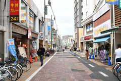 駅の反対側には商店街があります。(2019-08-20,共用部,ENVIRONMENT,1F)