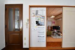 インフォメーションボードの様子。事業者さんからのお知らせなどもここに張られています。(2017-01-30,共用部,LIVINGROOM,2F)