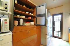 食器棚の様子。(2013-10-10,共用部,KITCHEN,1F)
