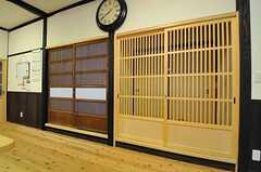 専有部のドア。右が101号室、左が102号室です。(2013-10-10,専有部,ROOM,1F)