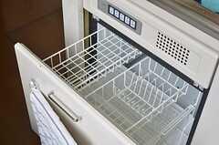 食器乾燥機が付いています。(2013-07-26,共用部,KITCHEN,1F)