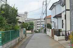 シェアハウス前の通り。(2013-07-26,共用部,ENVIRONMENT,1F)