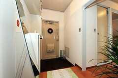 内部から見た玄関周りの様子。(2010-12-21,周辺環境,ENTRANCE,4F)