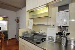 シェアハウスのキッチンの様子。(2010-12-21,共用部,KITCHEN,4F)