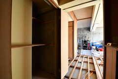玄関から見た内部の様子。奥がDIYスペースです。(2017-12-12,共用部,OTHER,1F)