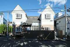 シェアハウスの外観は特徴的です。(2012-12-10,共用部,OUTLOOK,1F)