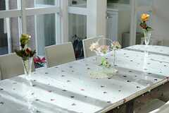 テーブルの様子。(2012-12-10,共用部,LIVINGROOM,1F)