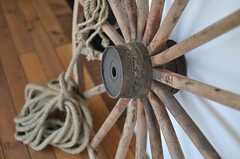 車輪?はぐるま?船の舵?(2013-07-09,共用部,LIVINGROOM,1F)