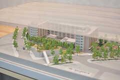 建物の模型が飾られています。(2017-04-19,共用部,OTHER,1F)
