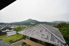窓から見た景色。愛嶽山が見えます。(204号室)(2016-08-02,専有部,ROOM,2F)