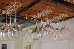 ワイングラスは吊るして収納されています。(2017-02-06,共用部,KITCHEN,1F)