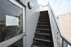 屋上に続く外階段の様子。(2017-02-06,共用部,OTHER,4F)