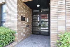 シェアハウスの玄関ドア。オートロックです。(2016-07-05,周辺環境,ENTRANCE,1F)