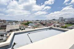 屋上から見た景色。周辺は穏やかな住宅街です。(2016-07-05,共用部,OTHER,4F)