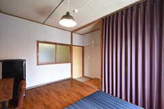 専有部の様子2。押入れ部分はカーテンで隠せます。(202号室)(2016-08-02,専有部,ROOM,2F)
