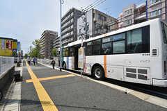 最寄りのバス停の様子。(2016-08-02,共用部,ENVIRONMENT,1F)