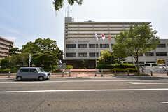 姪浜駅の近くには、役所もあります。(2016-08-02,共用部,ENVIRONMENT,1F)