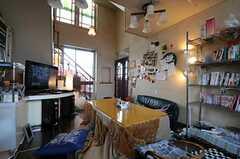 シェアハウスのリビングの様子2。こたつがあります。(2011-03-26,共用部,LIVINGROOM,3F)