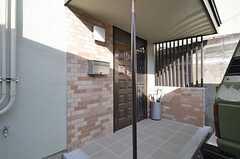 シェアハウスの玄関ドア。(2015-11-05,周辺環境,ENTRANCE,1F)