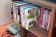 DVDもたくさんあります。(2015-11-05,共用部,TV,1F)