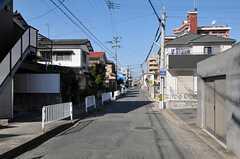 JR鹿児島本線・笹原駅からシェアハウスへ向かう道の様子。(2011-11-26,共用部,ENVIRONMENT,1F)
