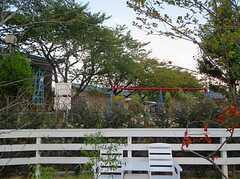 庭からは桜の木々を借景に。 ※事業者様提供素材(2013-02-28,共用部,OTHER,1F)
